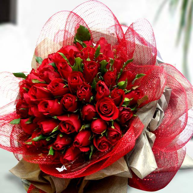 Send fabulous roses 50 bouquet for any occasion to delhi - Bouquet de rose artificielle ...