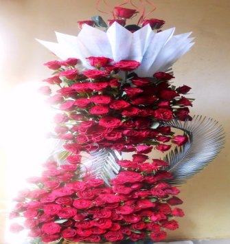 4 Feet Long Red Rose Basket