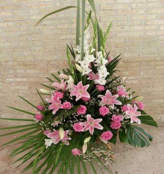 Gladiolus with Lilium
