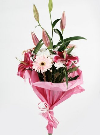 3 Oriantal Lilium and 3 Gerbera Bunch