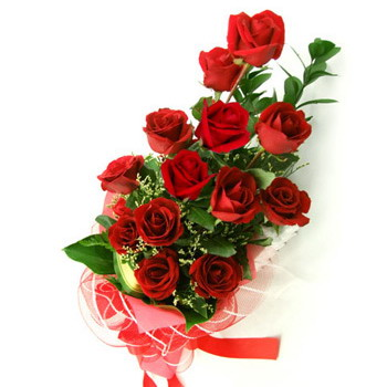 Send One Dozen Red Roses Hand Bunch To Kolkata On Valentines Day Free Delivery
