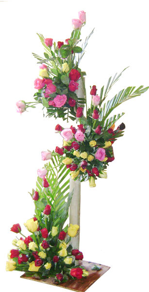 100 Mix Roses Tall Basket