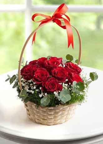 10 red rose round basket Delhi