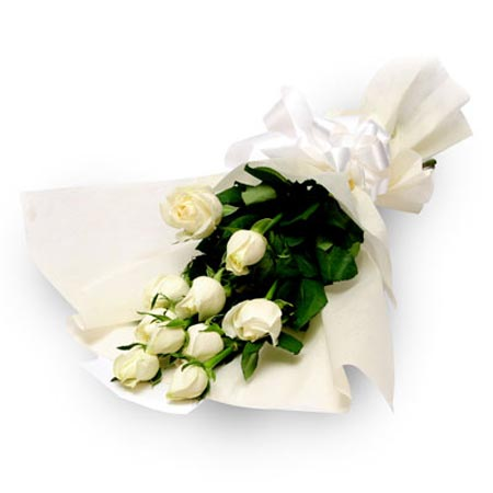 12 White Roses Bunch with white packing