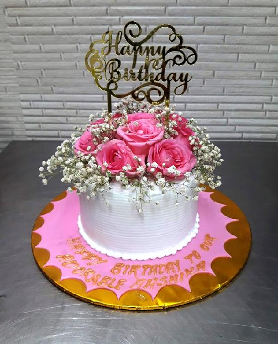 Exclusive Floral Arrangement on Cake