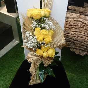 15 Yellow Roses Exclusive Bouquet