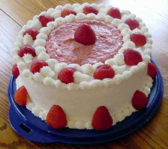 1KG Strawberry Cake